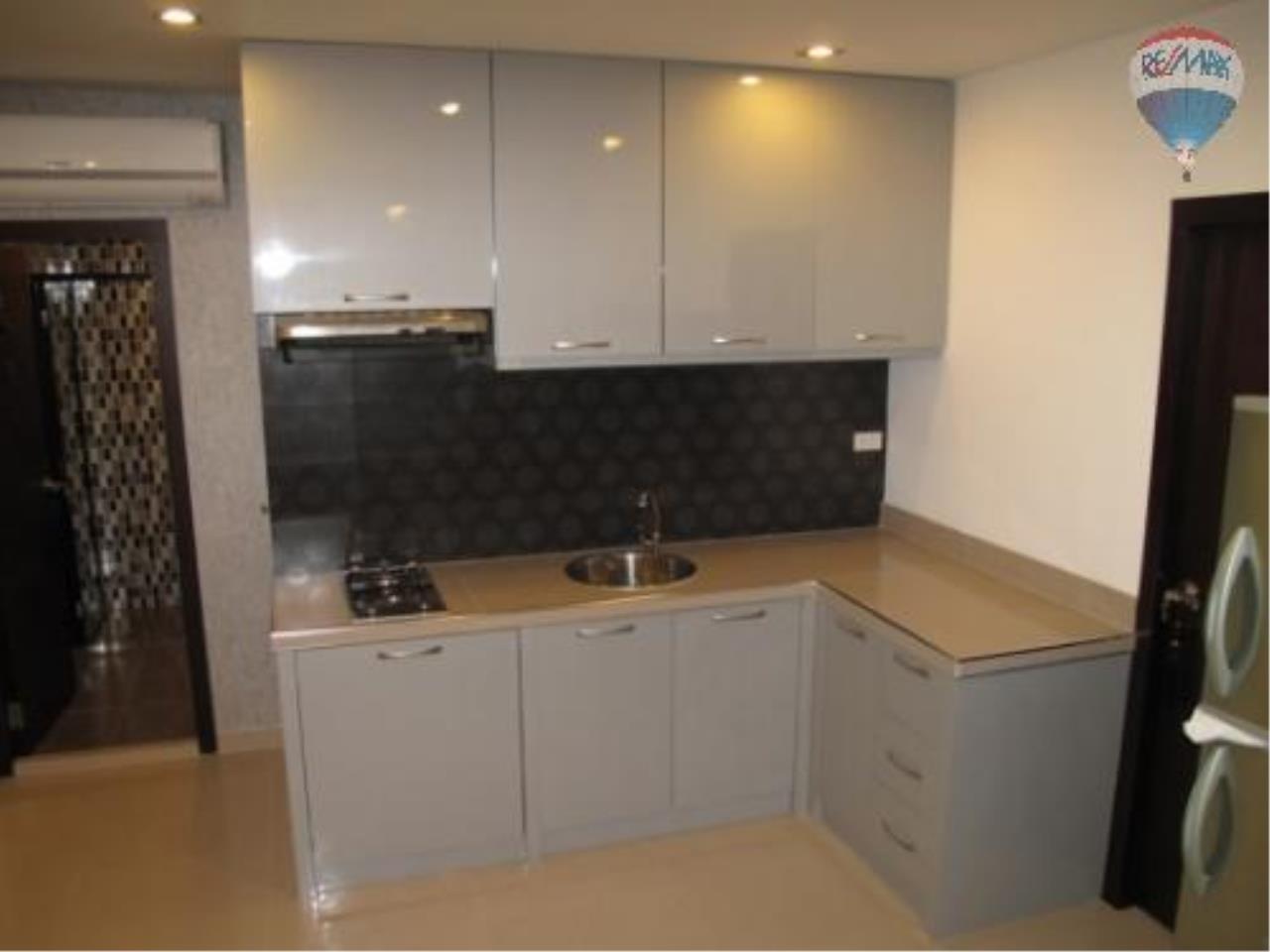 RE/MAX Properties Agency's 2 Bedroom for SALE 5