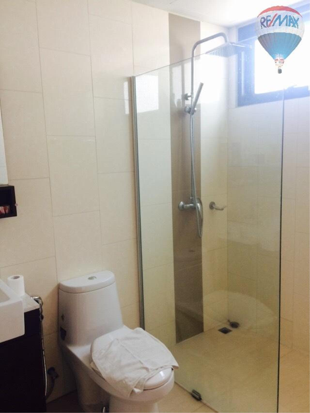 RE/MAX Properties Agency's Condominium for rent 2 bedrooms 92 Sq.m. at Renova Residence 10