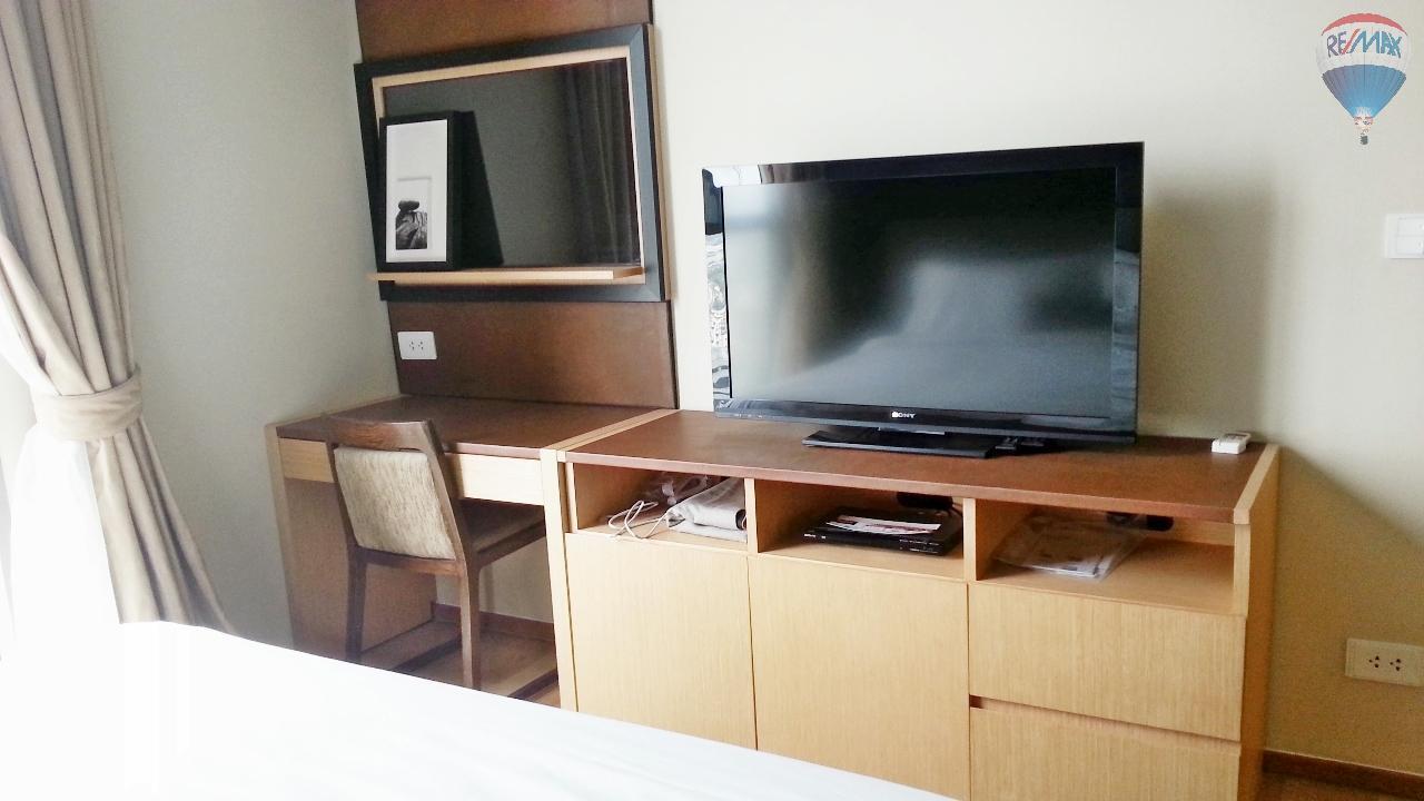 RE/MAX Properties Agency's Condominium for sale 1 bedroom 55.56 Sq.m. at Aequa 3