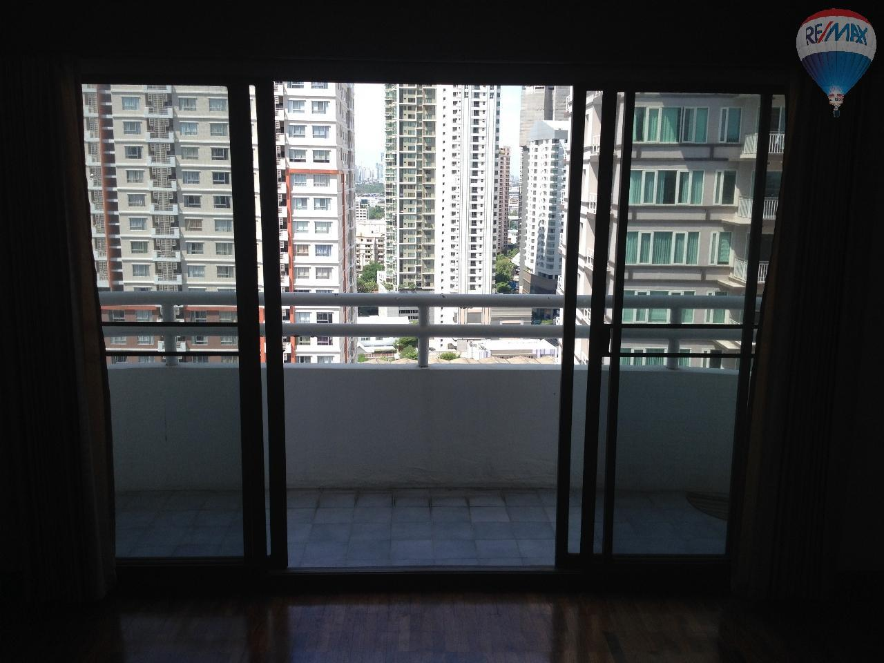 RE/MAX Properties Agency's Regent on the park for rent 3 bedroom 250 sqm 8