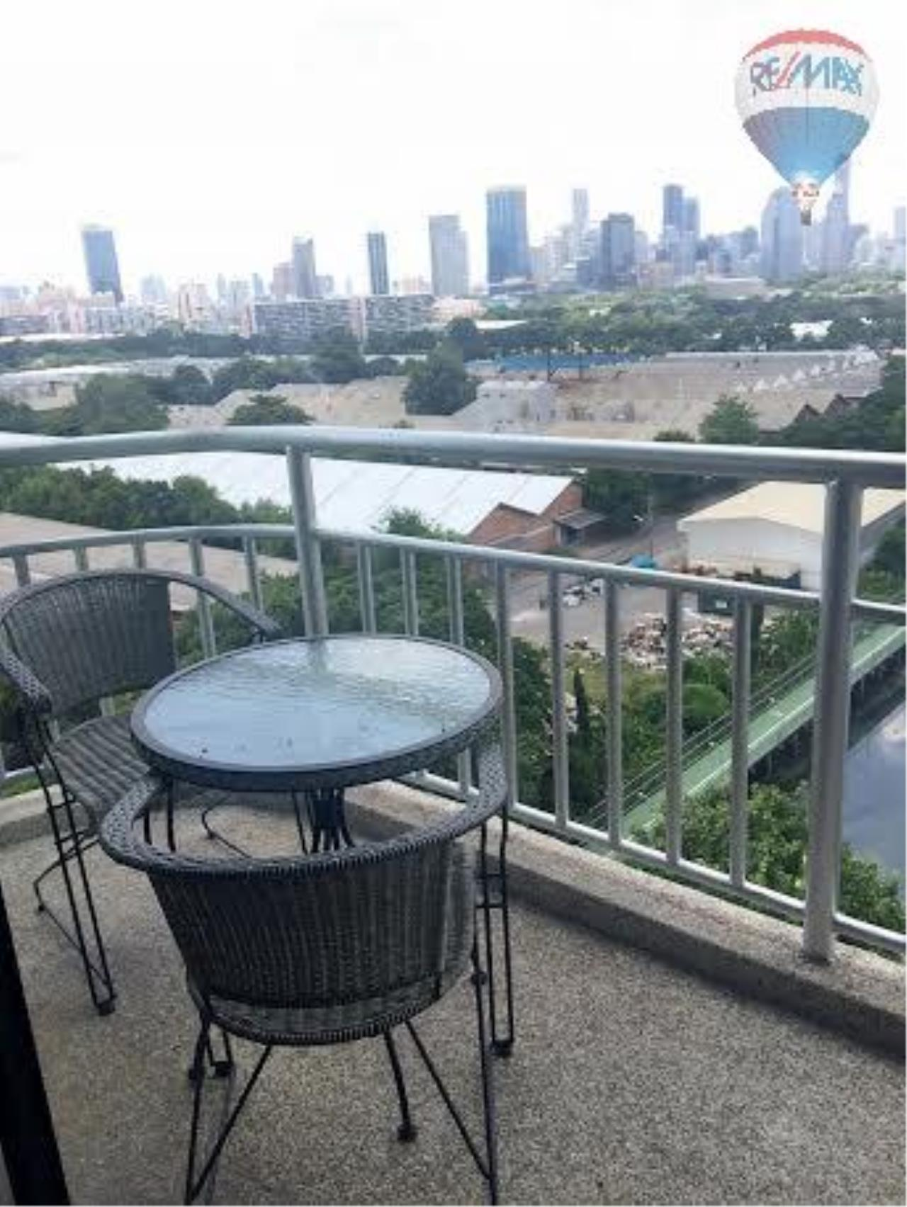 RE/MAX Properties Agency's 2 bedroom 130 Sq.M. for rent at Lake Green 13