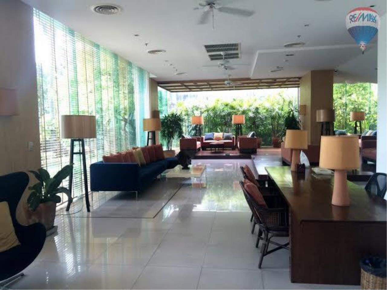 RE/MAX Properties Agency's 2 bedroom 130 Sq.M. for rent at Lake Green 14