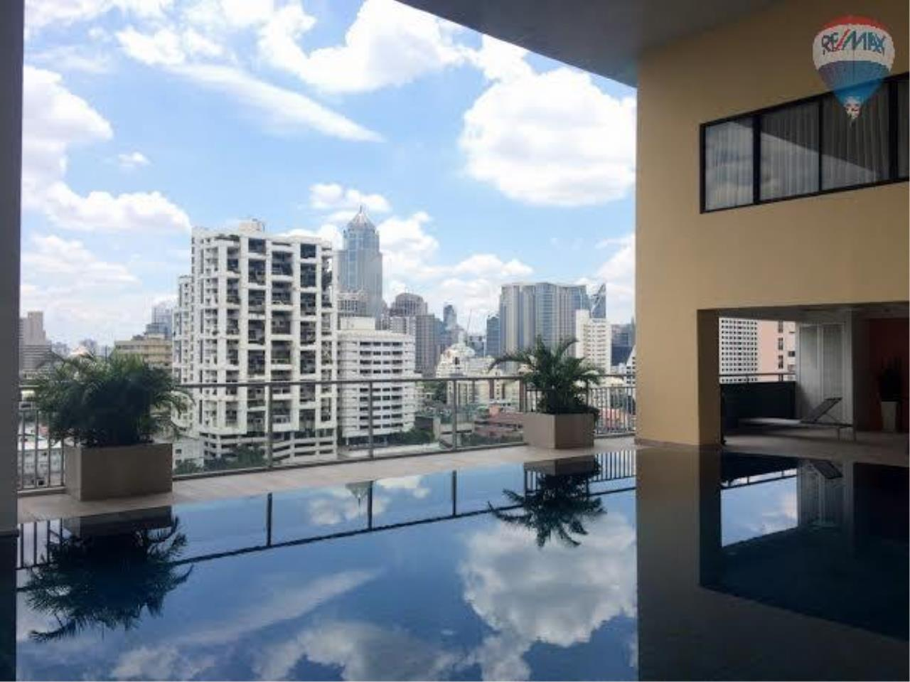 RE/MAX Properties Agency's 2 bedroom 130 Sq.M. for rent at Lake Green 20