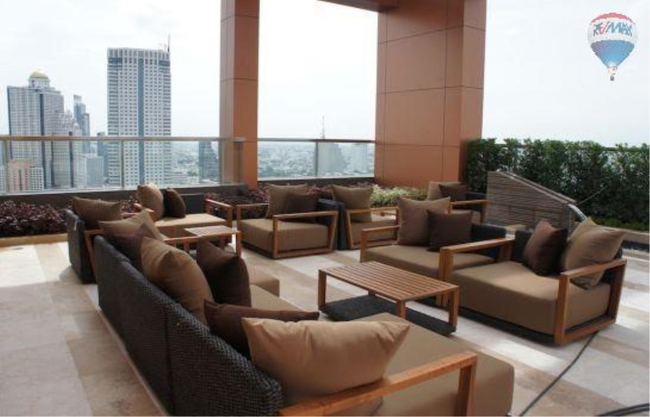RE/MAX Properties Agency's 2 Bedrooms 80.5 Sq.M. for renting 60K in The Address Sathorn 4