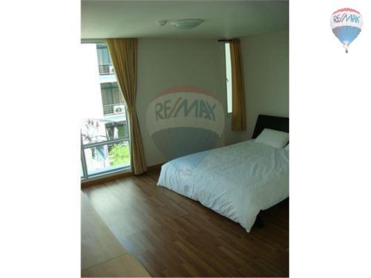 RE/MAX Properties Agency's 3 Bedroom Apartment -  Y.O Place Sukhumvit 16 8