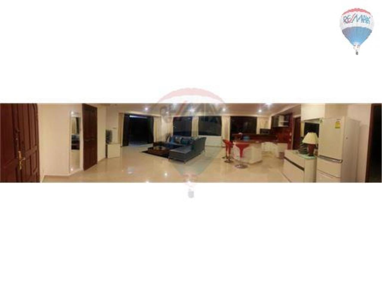RE/MAX Properties Agency's 2 Bedroom Apartment- Saranjai Mansion 12