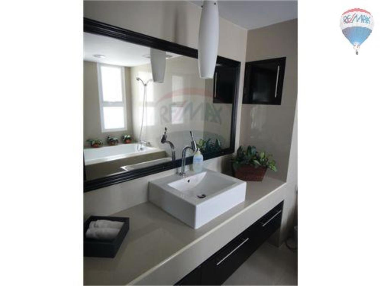 RE/MAX Properties Agency's 2 Bedroom Apartment - Baan Prompong Condo  9