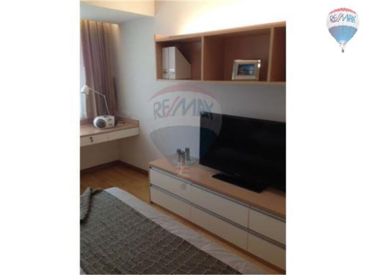RE/MAX Properties Agency's 2 Bedroom Apartment -In Sukhumvit 52 2
