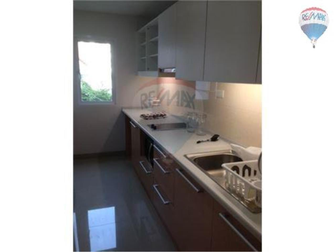 RE/MAX Properties Agency's 2 Bedroom Apartment -In Sukhumvit 52 8