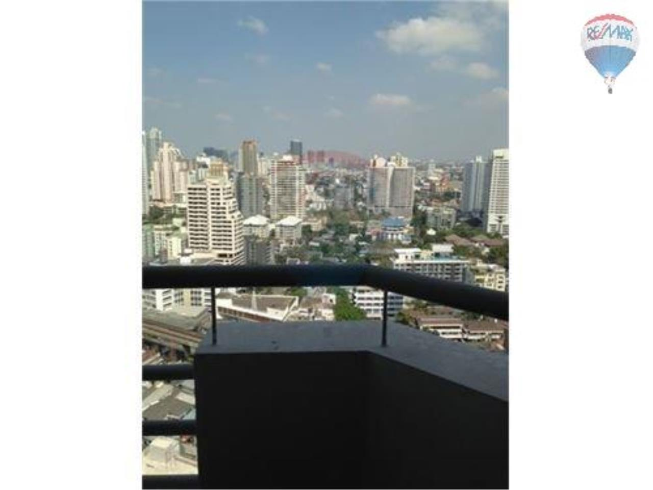 RE/MAX Properties Agency's 2 Bedroom Apartment - Sukhumvit 30/1 16
