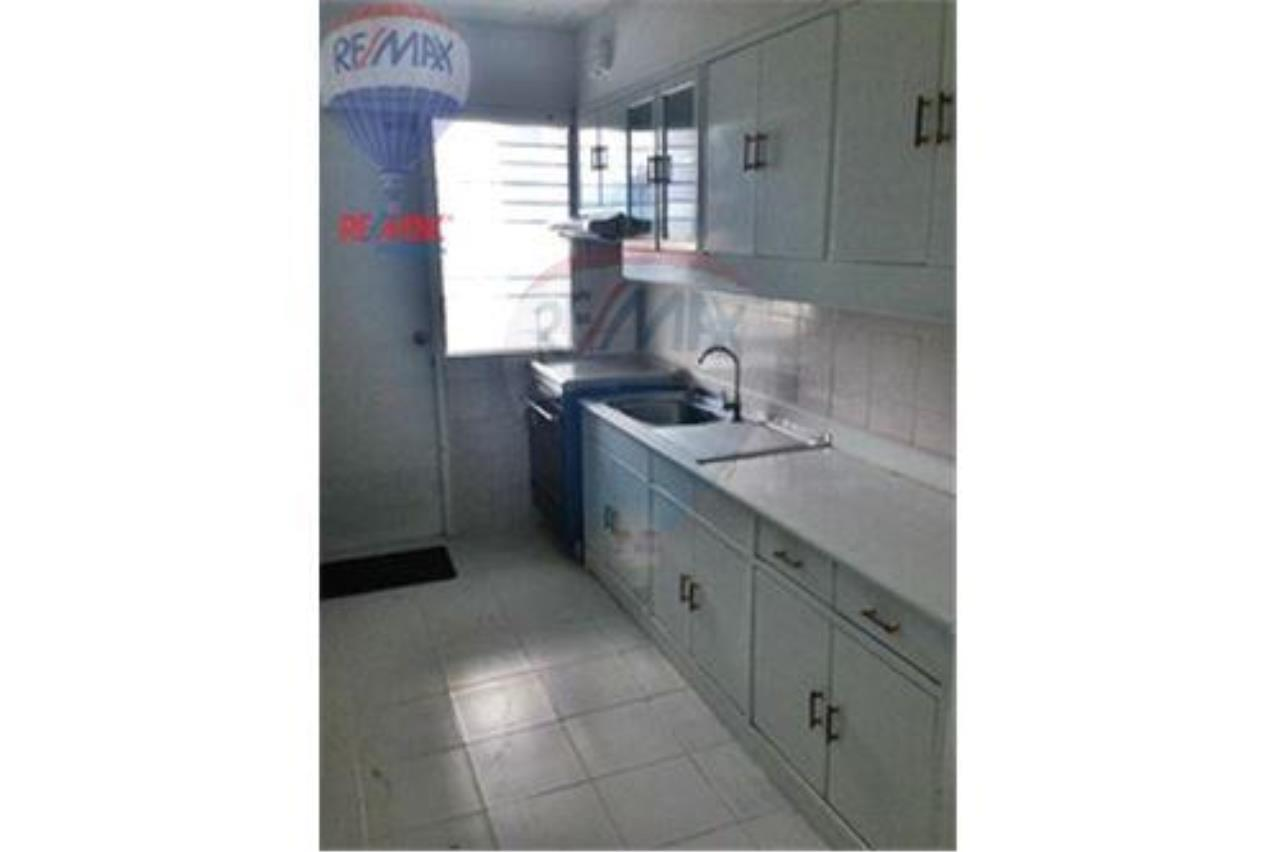 RE/MAX Properties Agency's FOR SALE/RENT D.S. Tower 2Sukhumvit 39 2BED 120SQM 20