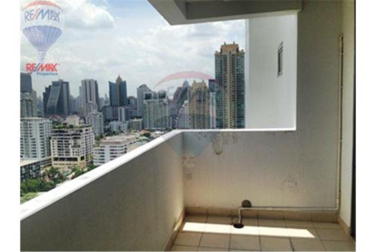 RE/MAX Properties Agency's FOR SALE/RENT D.S. Tower 2Sukhumvit 39 2BED 120SQM 8