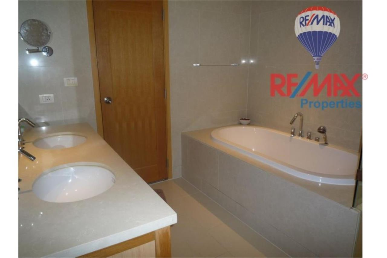 RE/MAX Properties Agency's FOR RENT The Emporio Place 1BED 83SQM 5