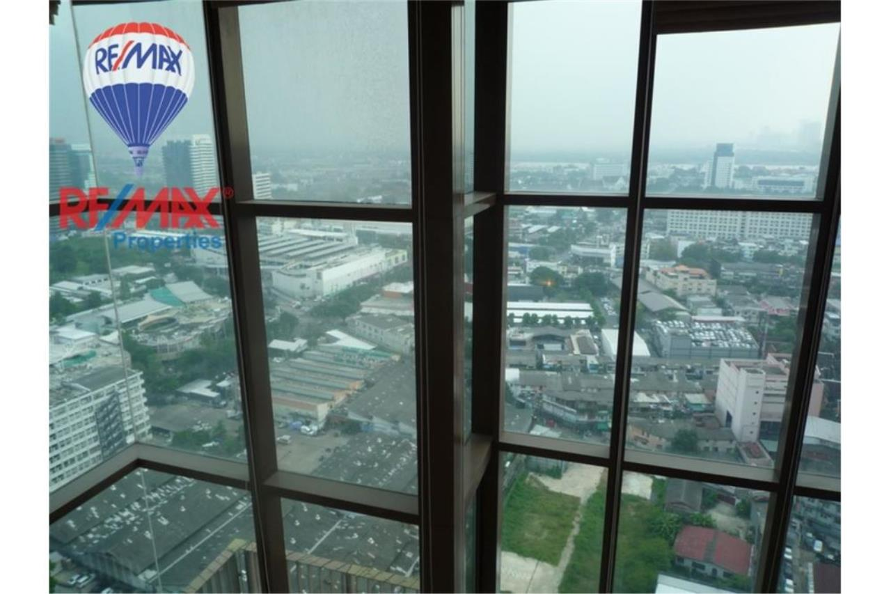 RE/MAX Properties Agency's FOR RENT The Emporio Place 1BED 83SQM 18