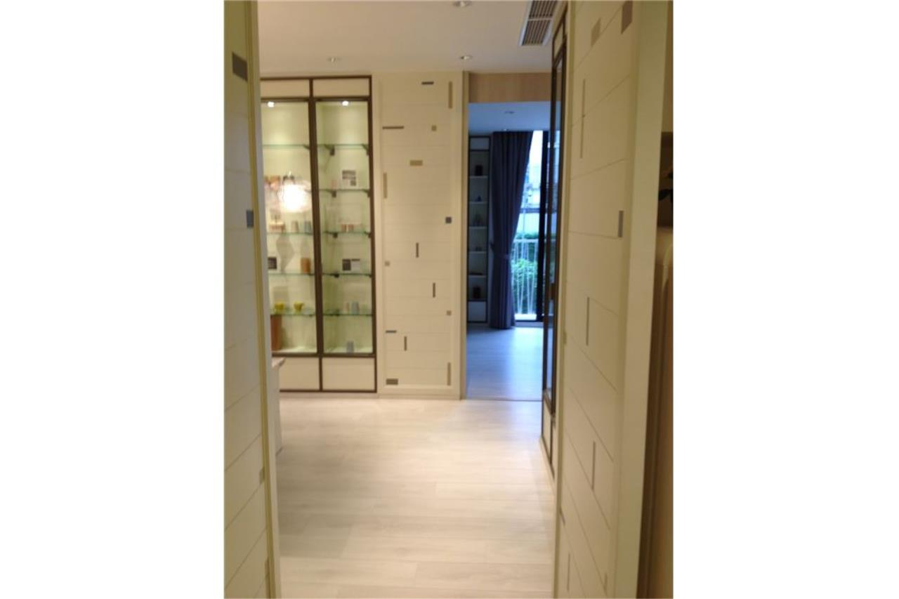 RE/MAX Properties Agency's 2 bed For sale 14.6M at Noble Recole 7