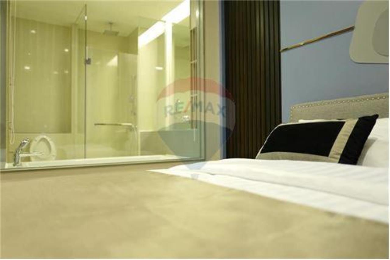 RE/MAX Properties Agency's 1 bed nice decoration for rent 50K on high floor. 12