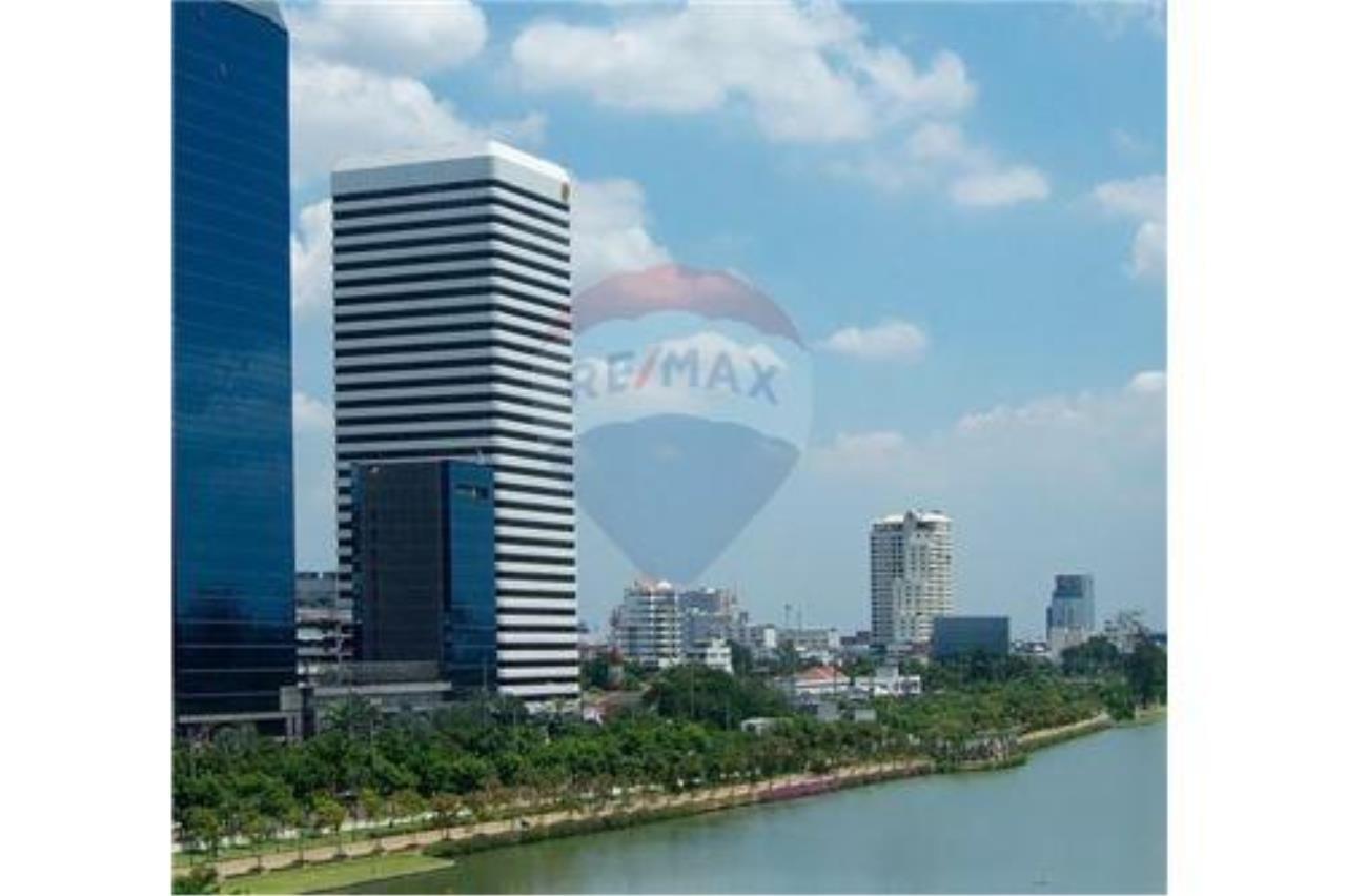 RE/MAX Properties Agency's RENT Office Space Ocean Tower 1 317.80SQM. 1