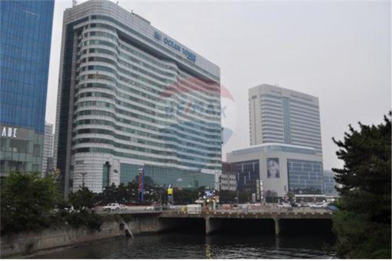 RE/MAX Properties Agency's RENT Office Space Ocean Tower 1 317.80SQM. 2