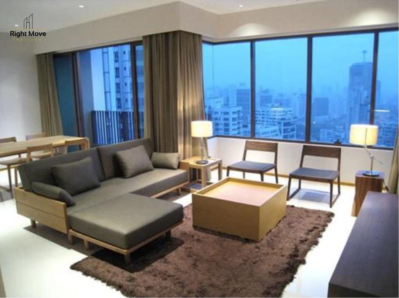 Right Move Thailand Agency's CA1144 The Emporio Place For Rent 75,000 THB 2 Bedrooms 105 Sqm 1