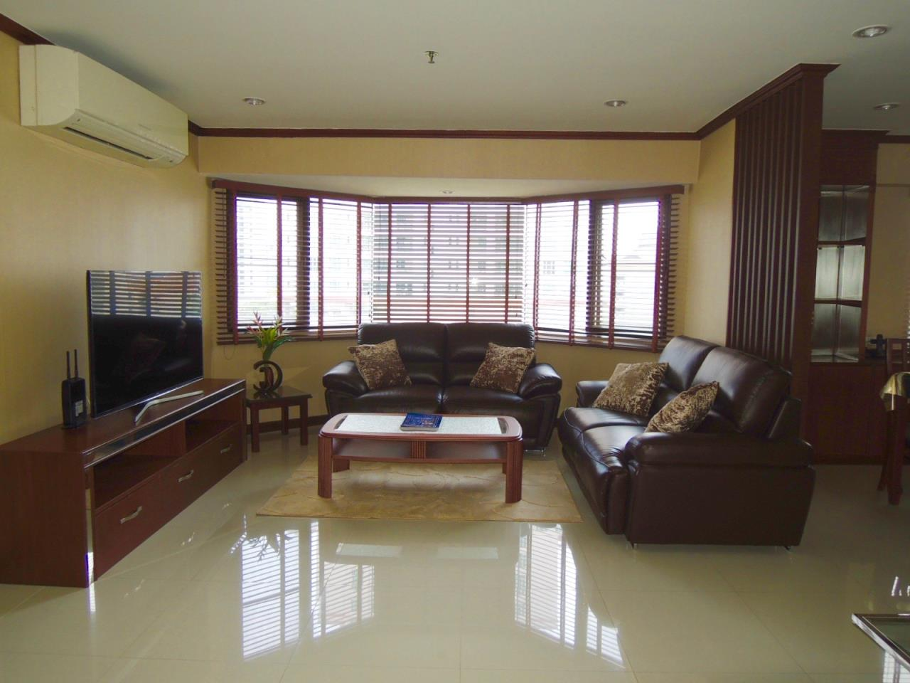 Right Move Thailand Agency's CA1593 Baan Suanpetch For Rent & Sale 70,000 THB 3 Bedrooms 129 Sqm 2