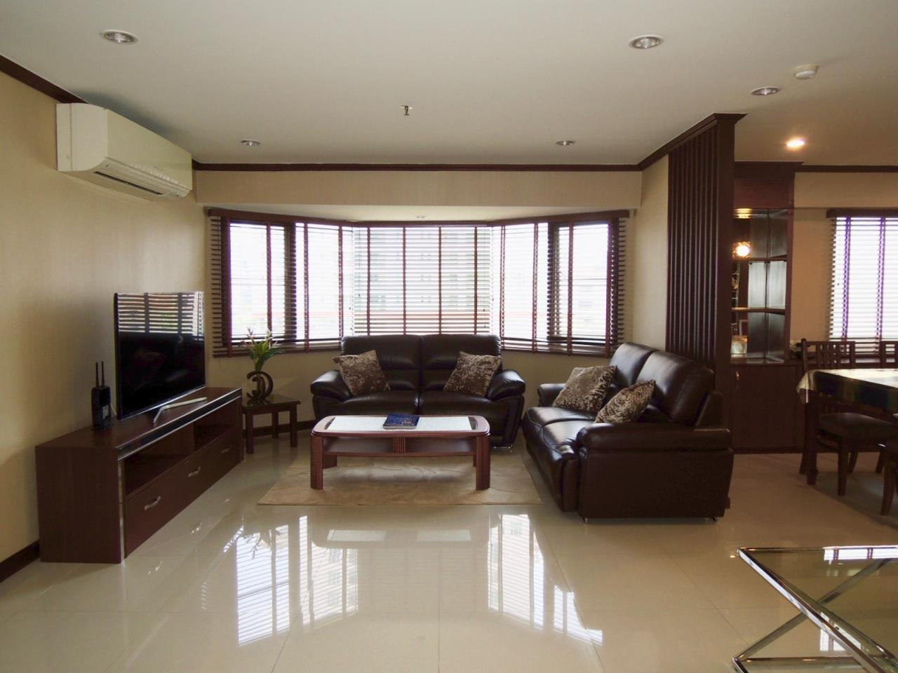 Right Move Thailand Agency's CA1593 Baan Suanpetch For Rent & Sale 70,000 THB 3 Bedrooms 129 Sqm 1