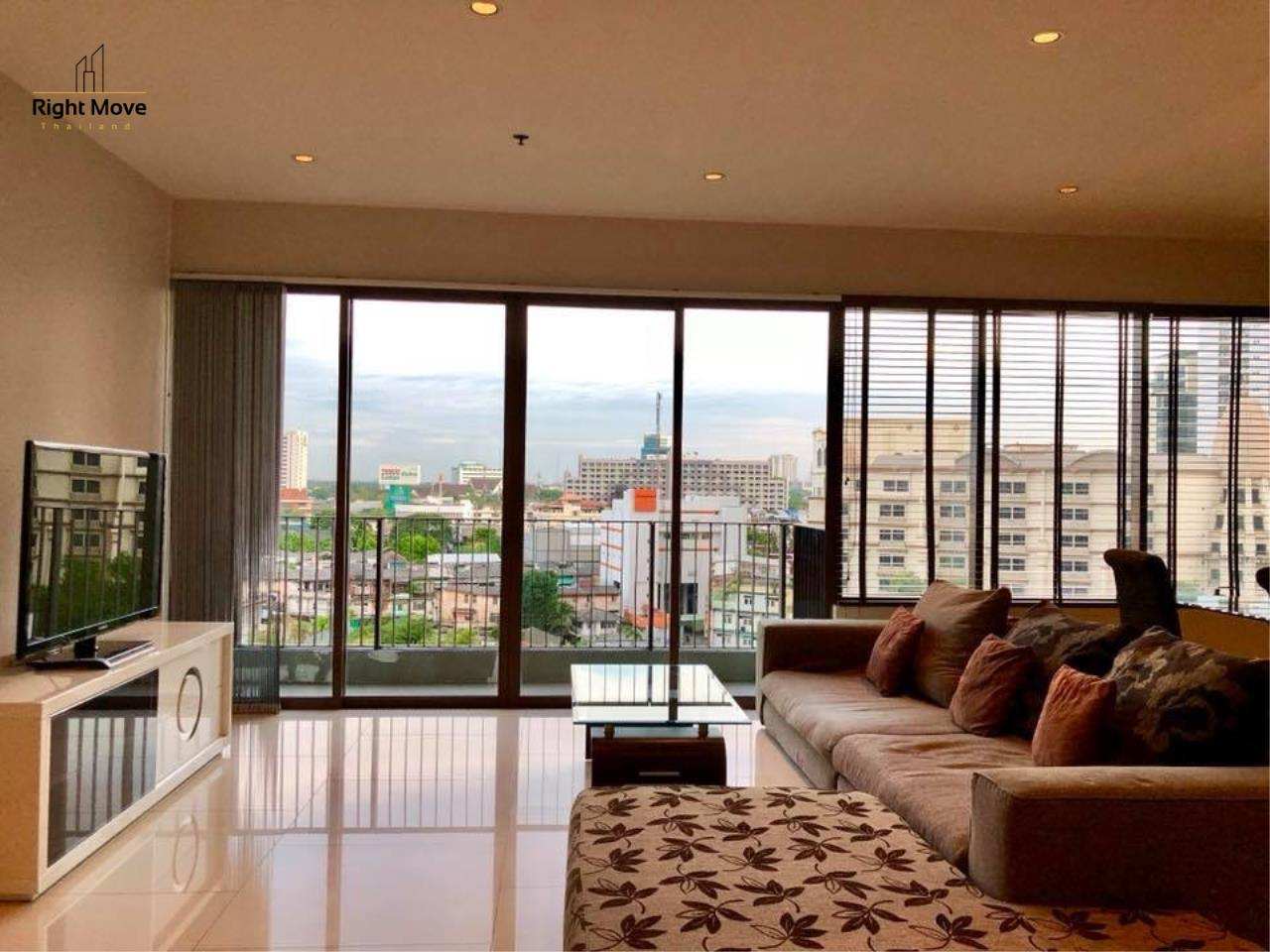 Right Move Thailand Agency's CA2384 The Emporio Place For Rent 95,000 THB 3 Bedrooms 4 Bathrooms 161 sqm 1