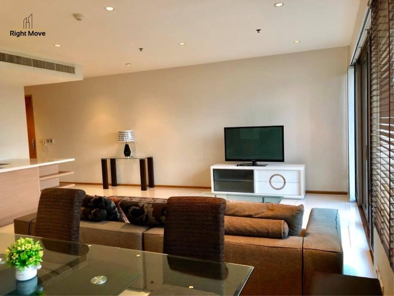 Right Move Thailand Agency's CA2384 The Emporio Place For Rent 95,000 THB 3 Bedrooms 4 Bathrooms 161 sqm 6