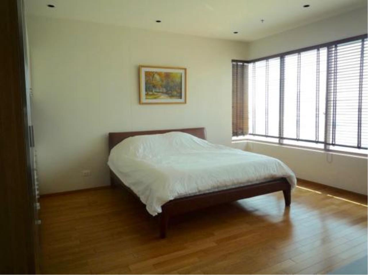 Right Move Thailand Agency's CA2384 The Emporio Place For Rent 95,000 THB 3 Bedrooms 4 Bathrooms 161 sqm 10