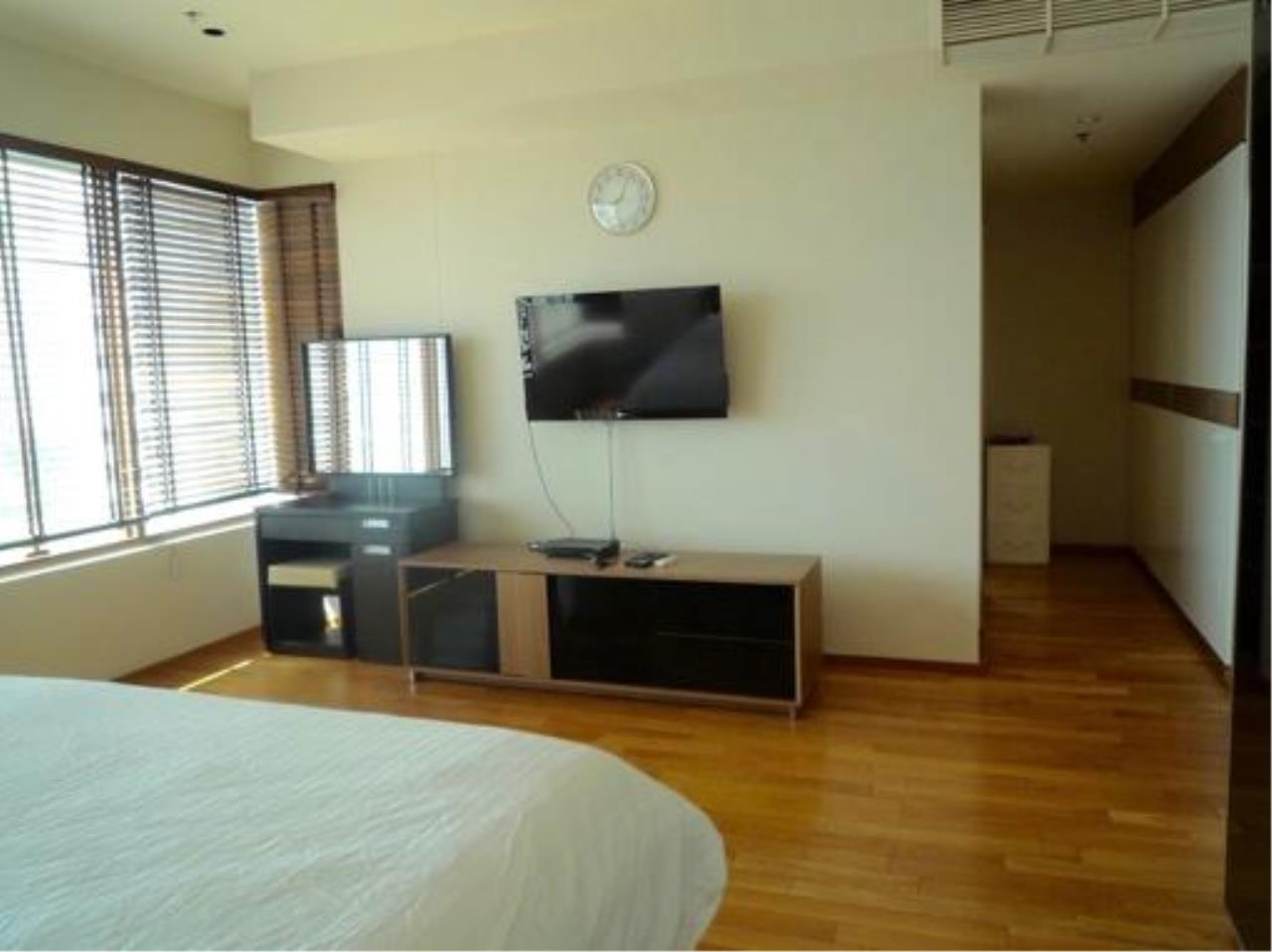 Right Move Thailand Agency's CA2384 The Emporio Place For Rent 95,000 THB 3 Bedrooms 4 Bathrooms 161 sqm 12