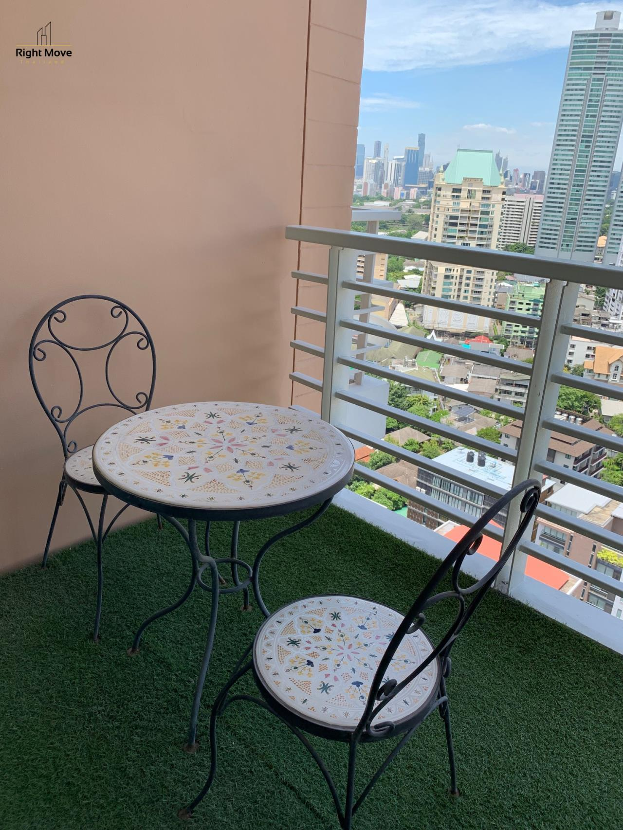 Right Move Thailand Agency's CA2598 Siri Residence For Rent 100,000 THB 3 Bedrooms 145 Sqm 9