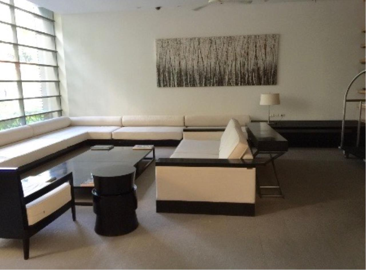 Right Move Thailand Agency's CA289 For Rent Domus Condo 95,000 THB 2+1 Bedrooms 167 Sqm 6