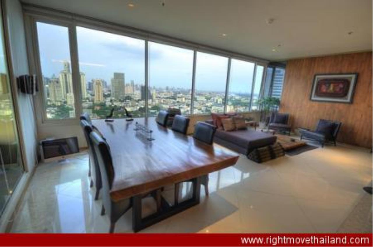 Right Move Thailand Agency's CA3212 The Empire Place For Rent 90,000 THB 2 Bedrooms 156.86 Sqm 2