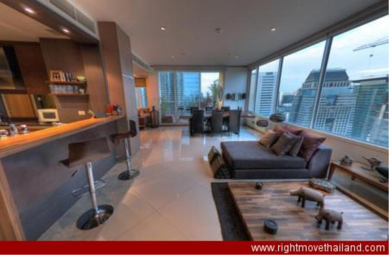 Right Move Thailand Agency's CA3212 The Empire Place For Rent 90,000 THB 2 Bedrooms 156.86 Sqm 1