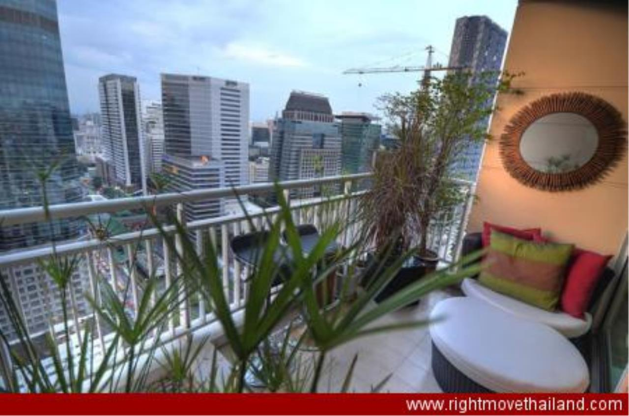 Right Move Thailand Agency's CA3212 The Empire Place For Rent 90,000 THB 2 Bedrooms 156.86 Sqm 6