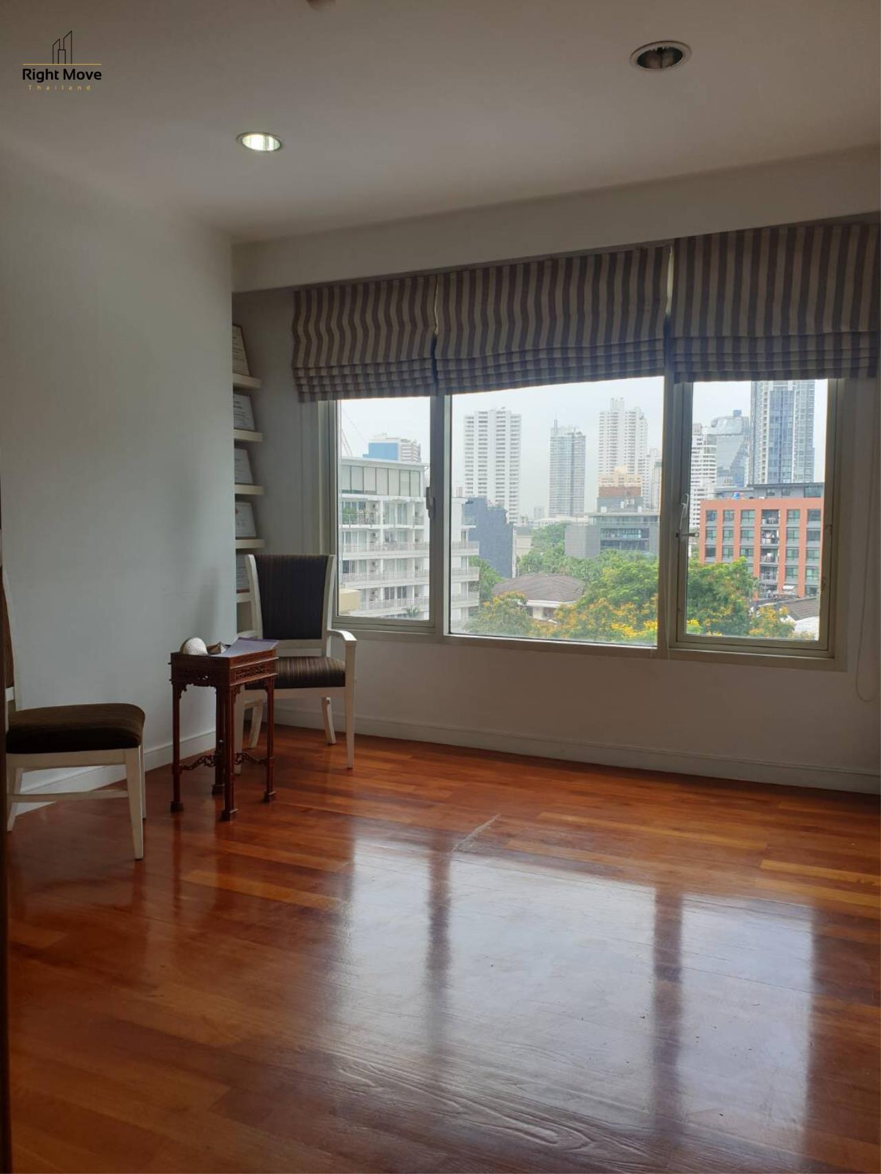 Right Move Thailand Agency's CA3456 Hampton For  Rent 130,000 THB Sale  26,000,000 THB THB 4 Bedrooms 232 Sqm 4