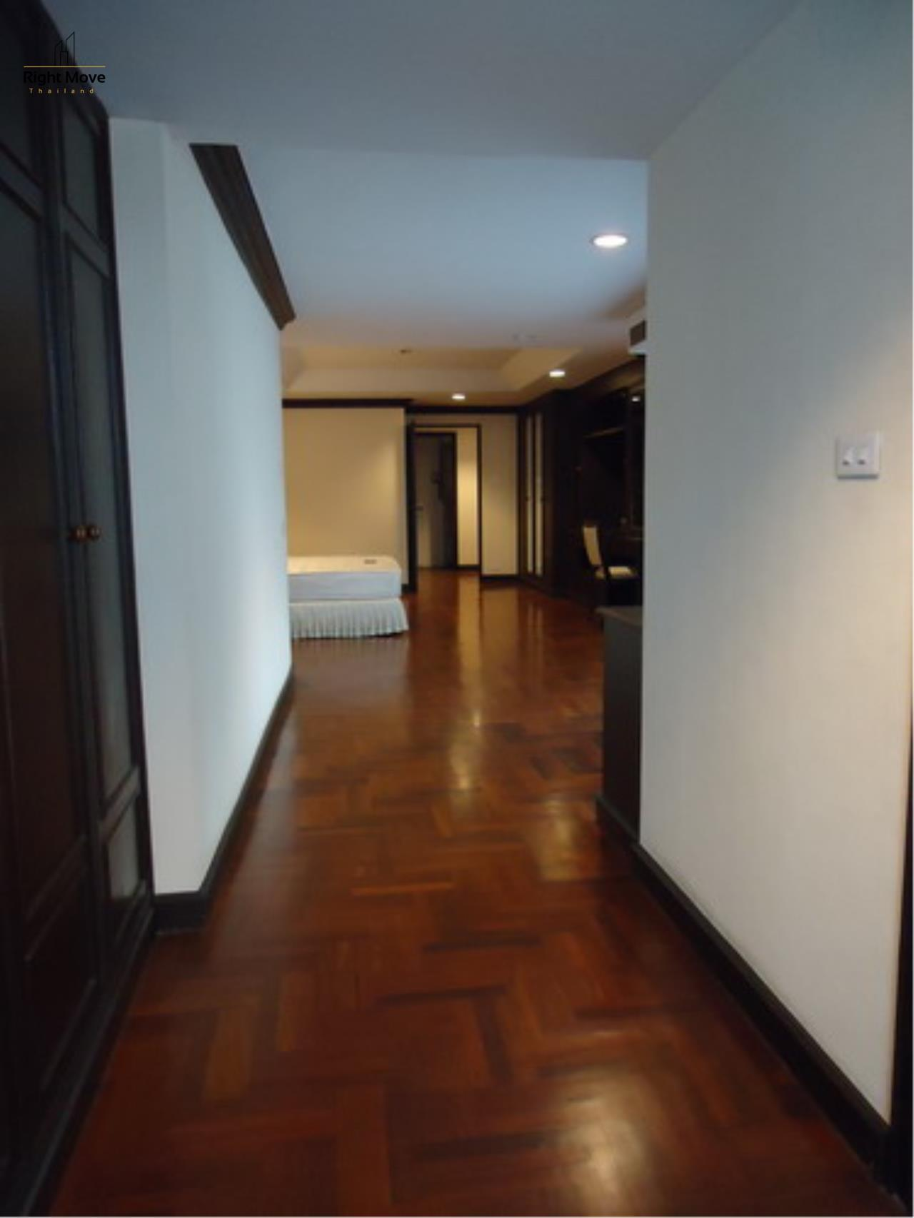 Right Move Thailand Agency's CA3559 Penthouse Duplex For Rent 150,000 THB 4+1 Bedrooms 600 Sqm 3