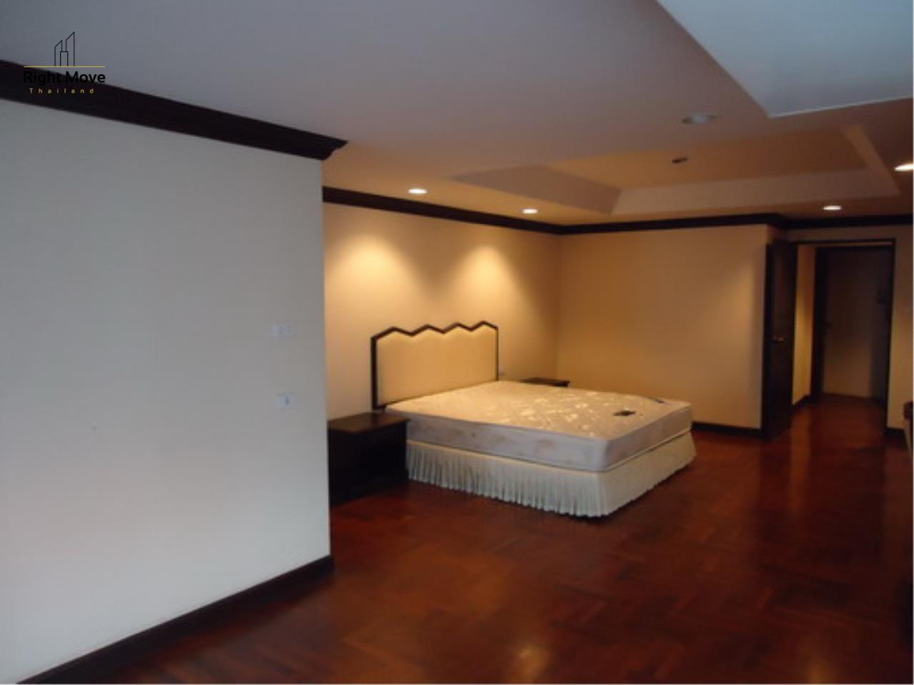 Right Move Thailand Agency's CA3559 Penthouse Duplex For Rent 150,000 THB 4+1 Bedrooms 600 Sqm 4