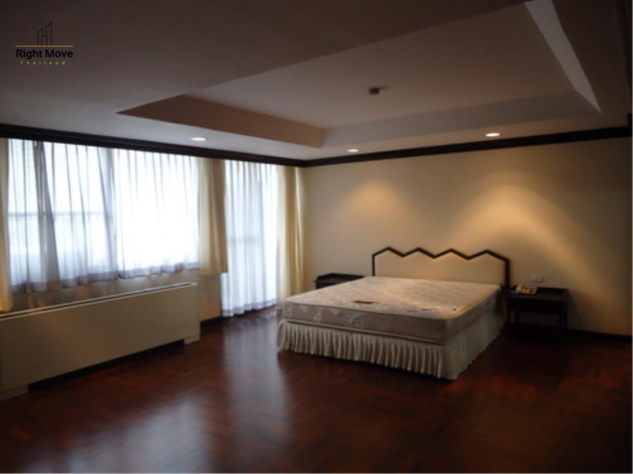 Right Move Thailand Agency's CA3559 Penthouse Duplex For Rent 150,000 THB 4+1 Bedrooms 600 Sqm 5