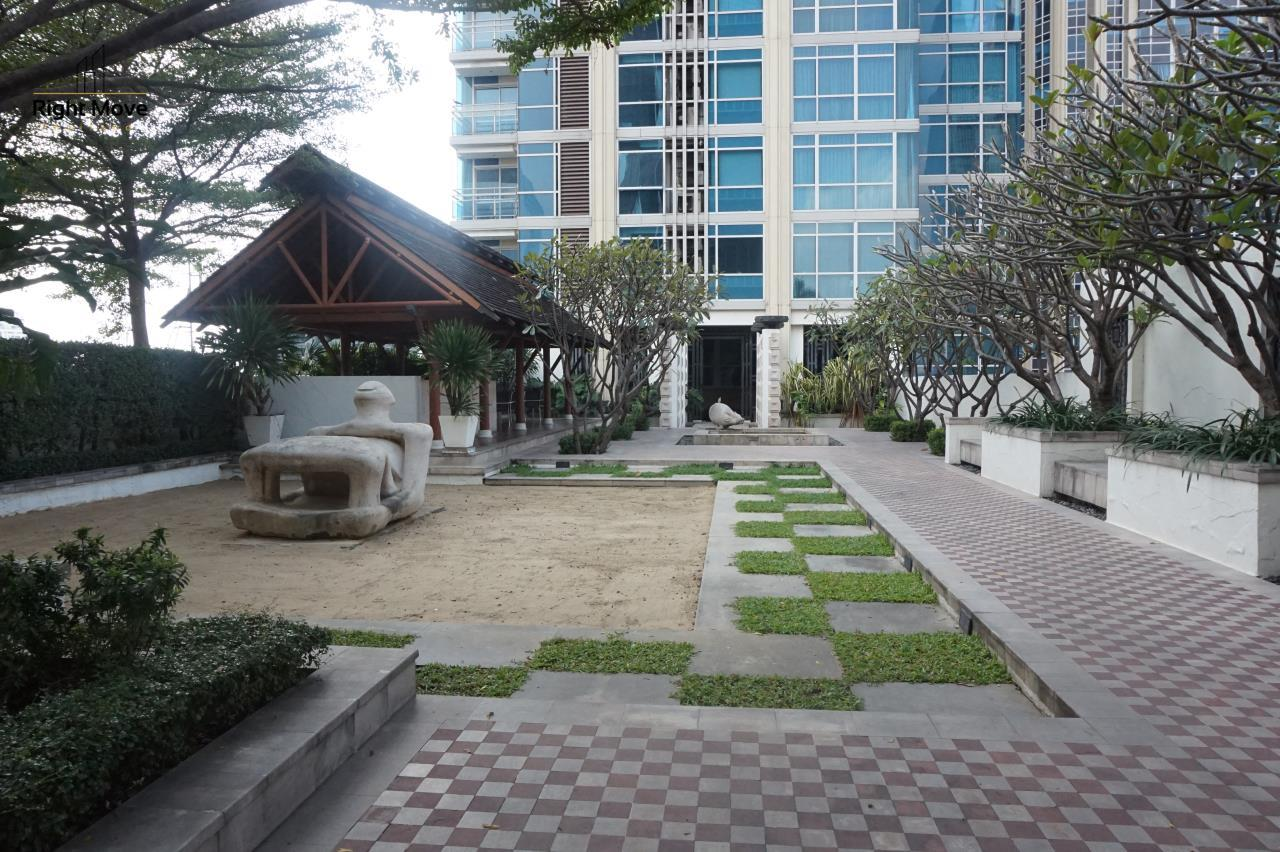 Right Move Thailand Agency's CA4827 For Rent Athenee Residence 3+1 Bedrooms For Rent 180,000 THB 220 Sqm 23