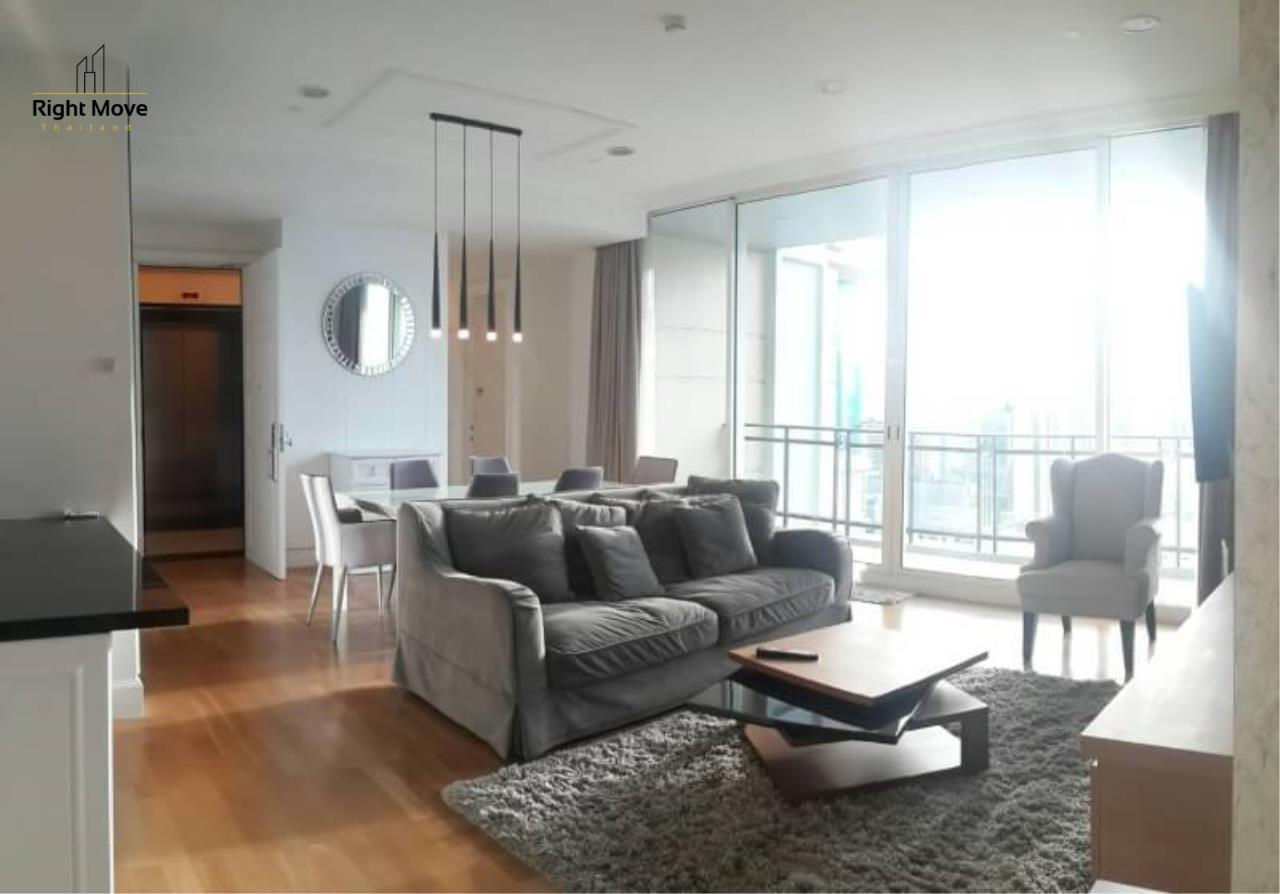 Right Move Thailand Agency's CA5073 Royce Private Residence For Rent 110,000 THB 2+1 Bedrooms 133 Sqm 1