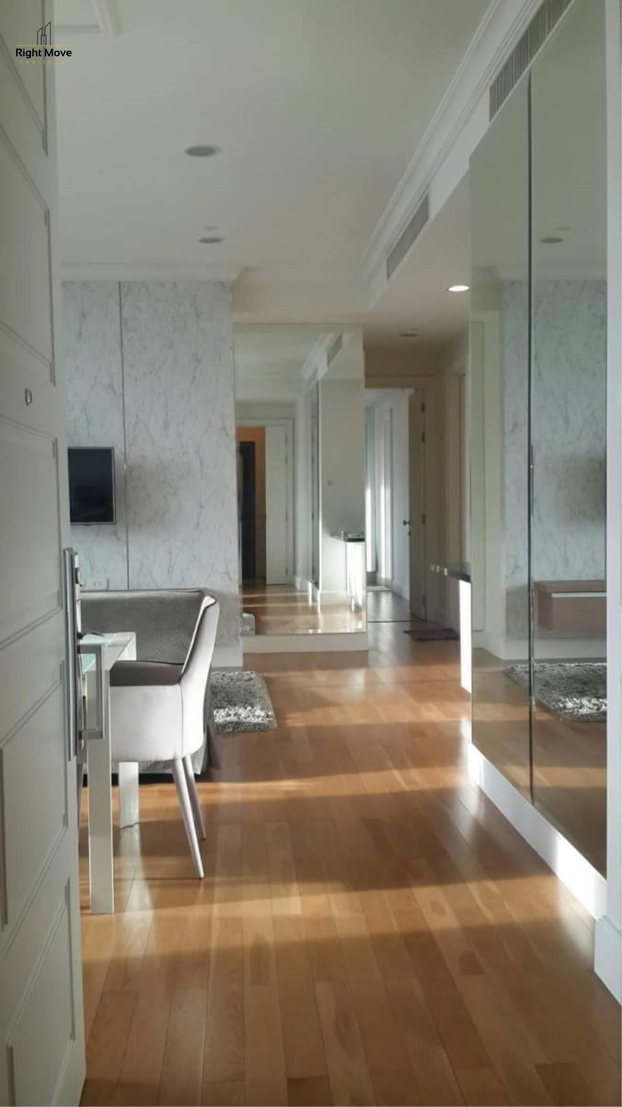 Right Move Thailand Agency's CA5073 Royce Private Residence For Rent 110,000 THB 2+1 Bedrooms 133 Sqm 2
