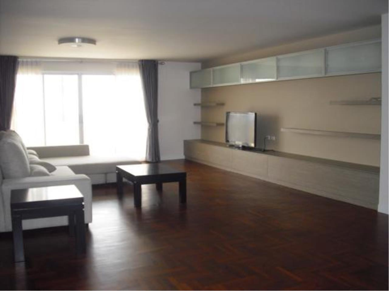 Right Move Thailand Agency's CA5142 Regent On The Park II For Rent 75,000 THB 3 Bedrooms 250 Sqm 2