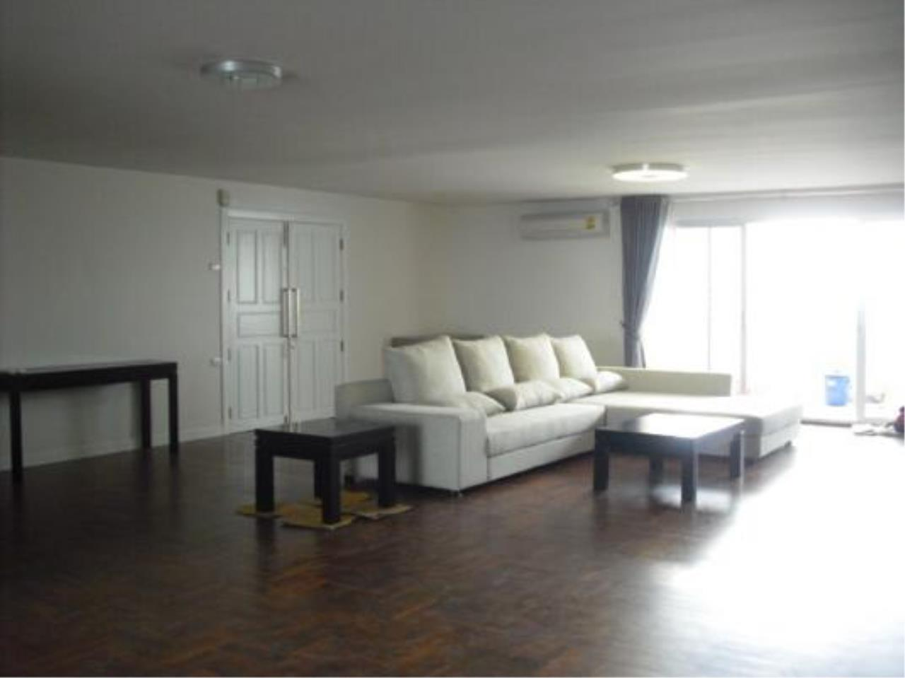 Right Move Thailand Agency's CA5142 Regent On The Park II For Rent 75,000 THB 3 Bedrooms 250 Sqm 1