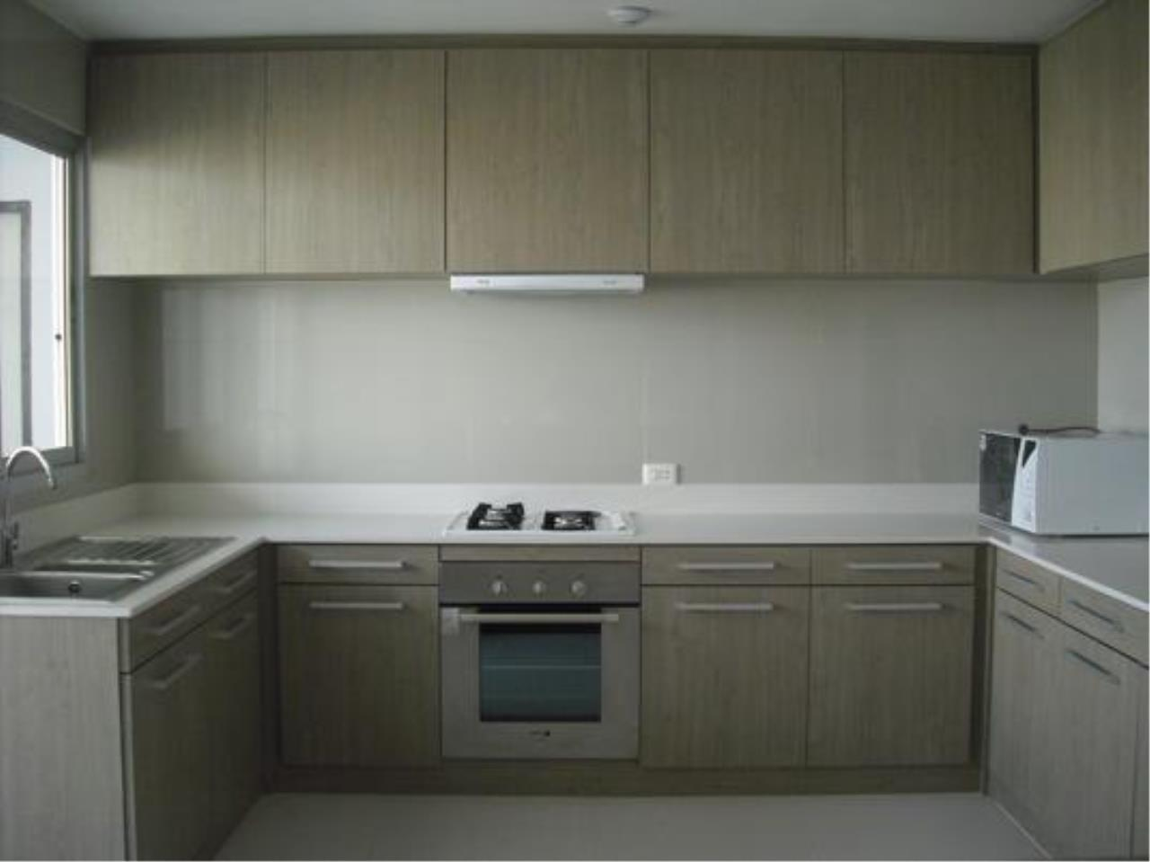 Right Move Thailand Agency's CA5142 Regent On The Park II For Rent 75,000 THB 3 Bedrooms 250 Sqm 3