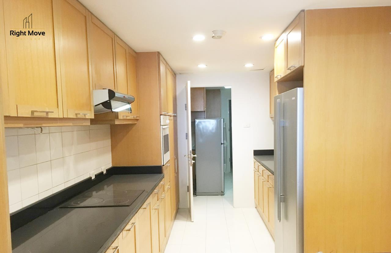 Right Move Thailand Agency's CA5243 Somkid Gardens For Rent 120,000 THB 4 Bedrooms 250 Sqm 21