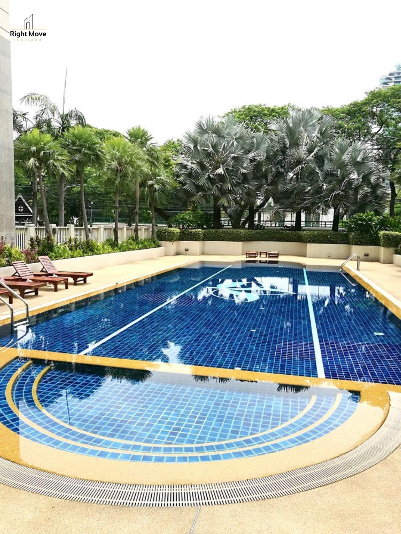 Right Move Thailand Agency's CA5243 Somkid Gardens For Rent 120,000 THB 4 Bedrooms 250 Sqm 24