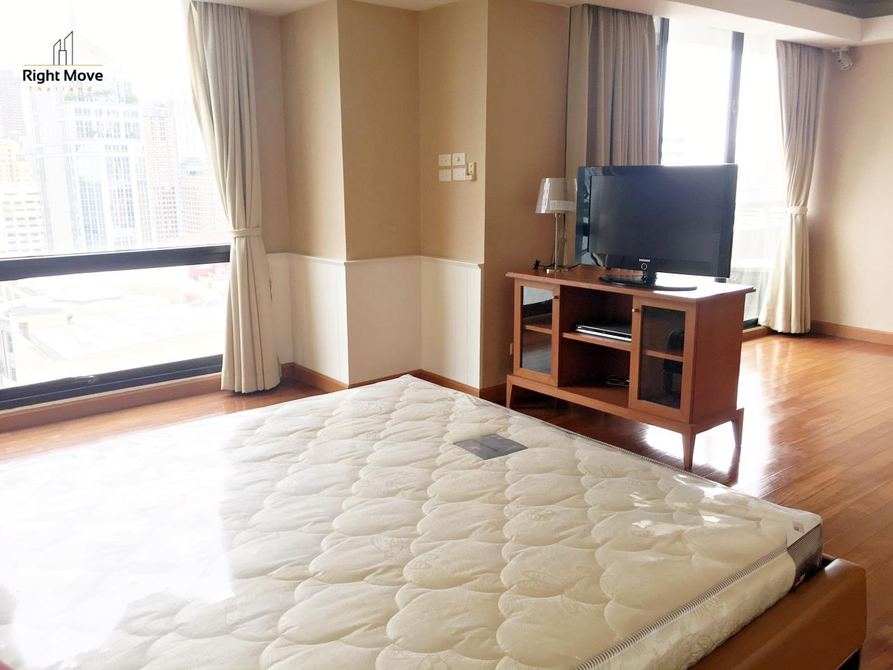 Right Move Thailand Agency's CA5243 Somkid Gardens For Rent 120,000 THB 4 Bedrooms 250 Sqm 5