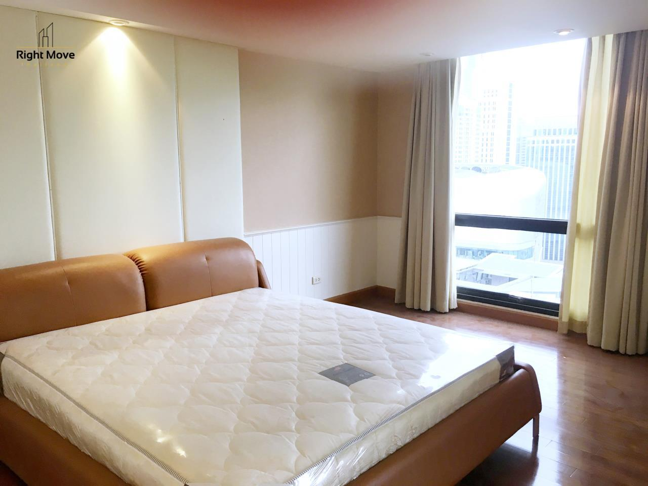 Right Move Thailand Agency's CA5243 Somkid Gardens For Rent 120,000 THB 4 Bedrooms 250 Sqm 6