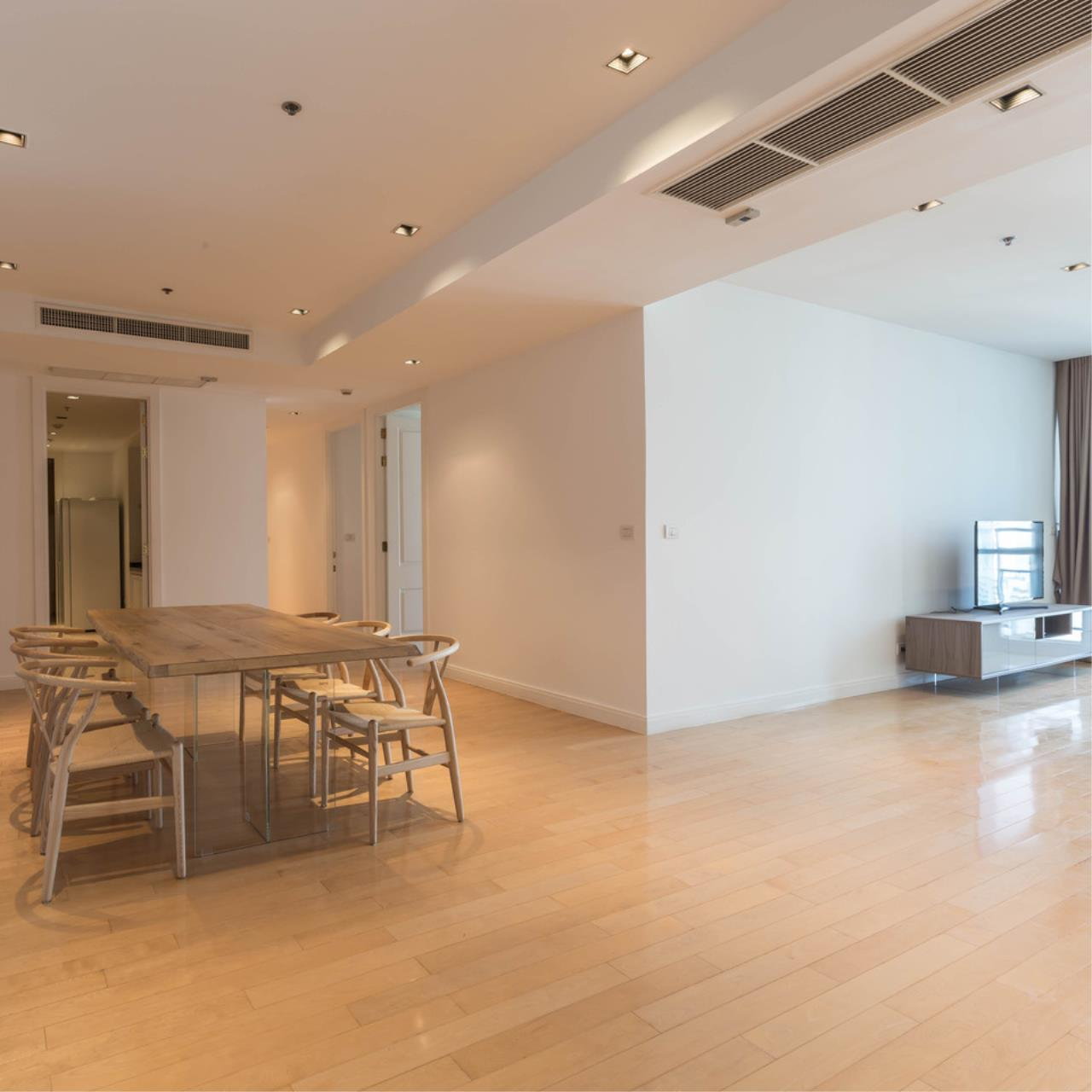 Right Move Thailand Agency's CA5266 For Rent Athenee Residence 125,000 THB 3+1 Bedrooms 178 Sqm 3