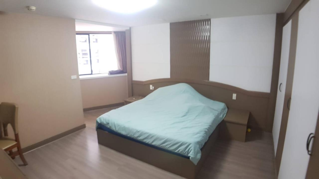 Right Move Thailand Agency's CA5325 President Park For Sale & Rent 16,000,000 THB 3 Bedrooms 220 Sqm 4